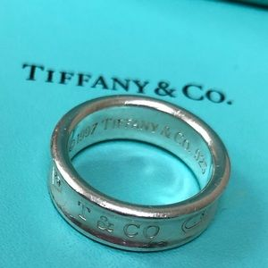 🔴Authentic Tiffany&Co Sterling Silver Ring 🔴❤️